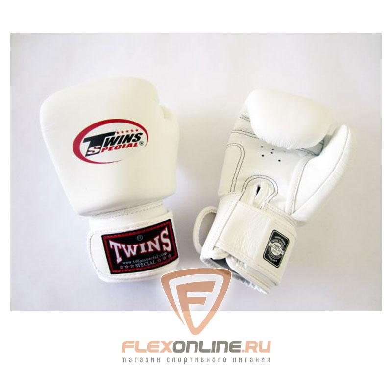 Боксерские перчатки Перчатки боксерские тренировочные 10 унций белые от Twins