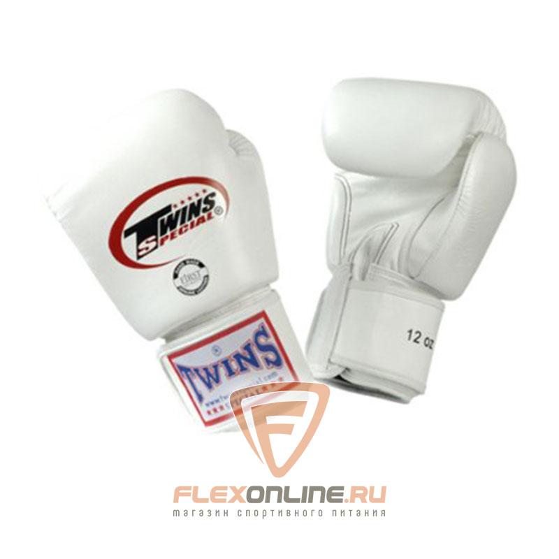 Боксерские перчатки Перчатки боксерские тренировочные 14 унций белые от Twins