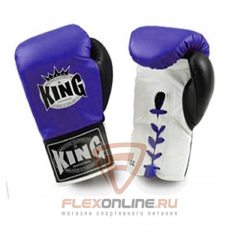 Боксерские перчатки Перчатки боксерские соревновательные на шнурках 10 унций синие от King